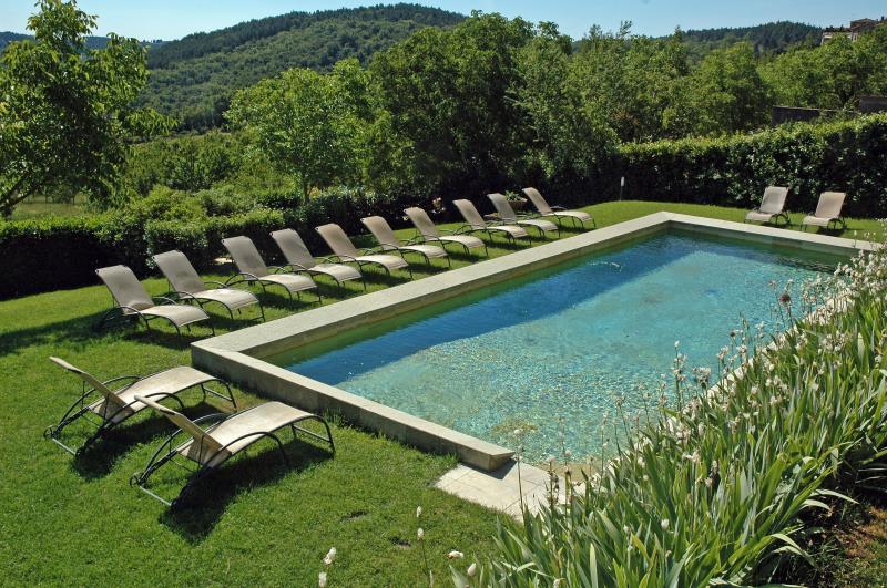 Il giardino e la piscina del nostro hotel nella campagna - Hotel il giardino siena ...